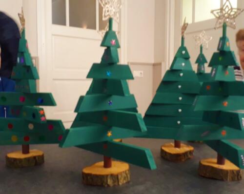 2019-12-09 resultaat project houten kerstbomen
